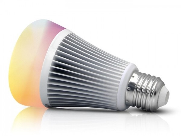 MI-070 LED Leuchtmittel E27 230VAC RGB-CCT 8W bluetooth